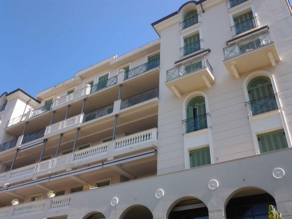 Remove Bordighera apartments on the beach