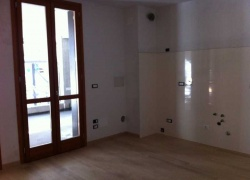D.M.S - 216 Apartments with a big yard in Bologna