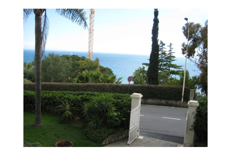 IKND 284 Ospedaletti. Magnificent luxury villa near the sea!