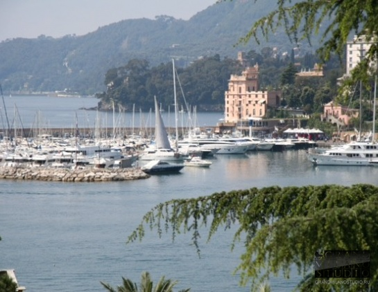 DIK209 Rapallo. Panoramic view villa apartment