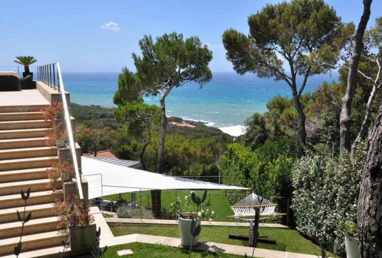 D-YK 44. A charming villa with a swimming pool in Tuscany