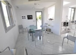 DIK120 Duplex penthouse with a swimming pool in Bordighera